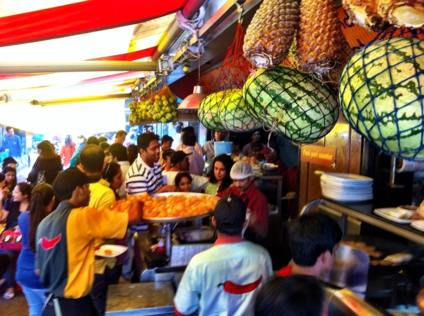 Crowds with discriminating taste for pani puri at ELCO