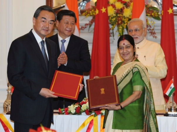 Documents_being_signed_during_the_State_Visit_of_Chinese_President_Xi_Jinping_to_India